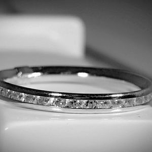 👀HP 02/22/18 14kt White Gold Eternity Band